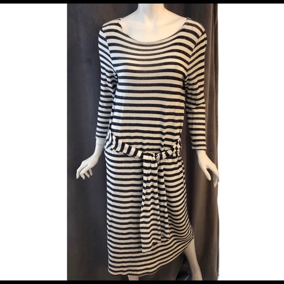 Anthropologie Dresses & Skirts - T.LA Navy Blue and White 3/4 sleeve dress